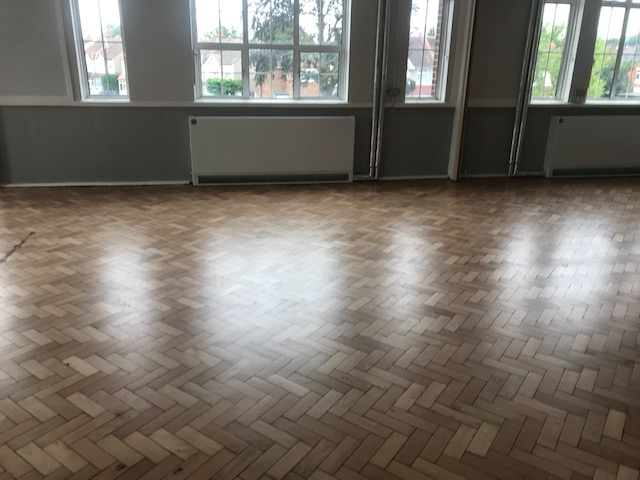lacquer finishing of school croydon